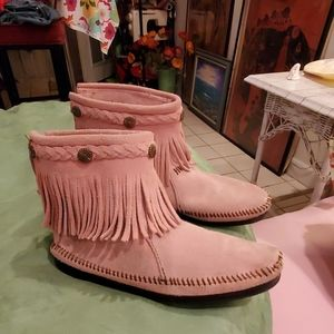 PINK Minnetonka Moccasins/ankle boots